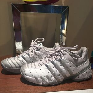 Adidas woman's tennis shoes